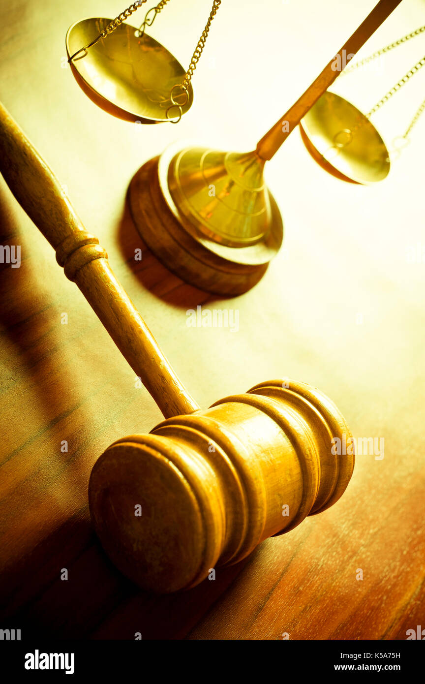 gavel and scales of justice, law concept - Stock Image
