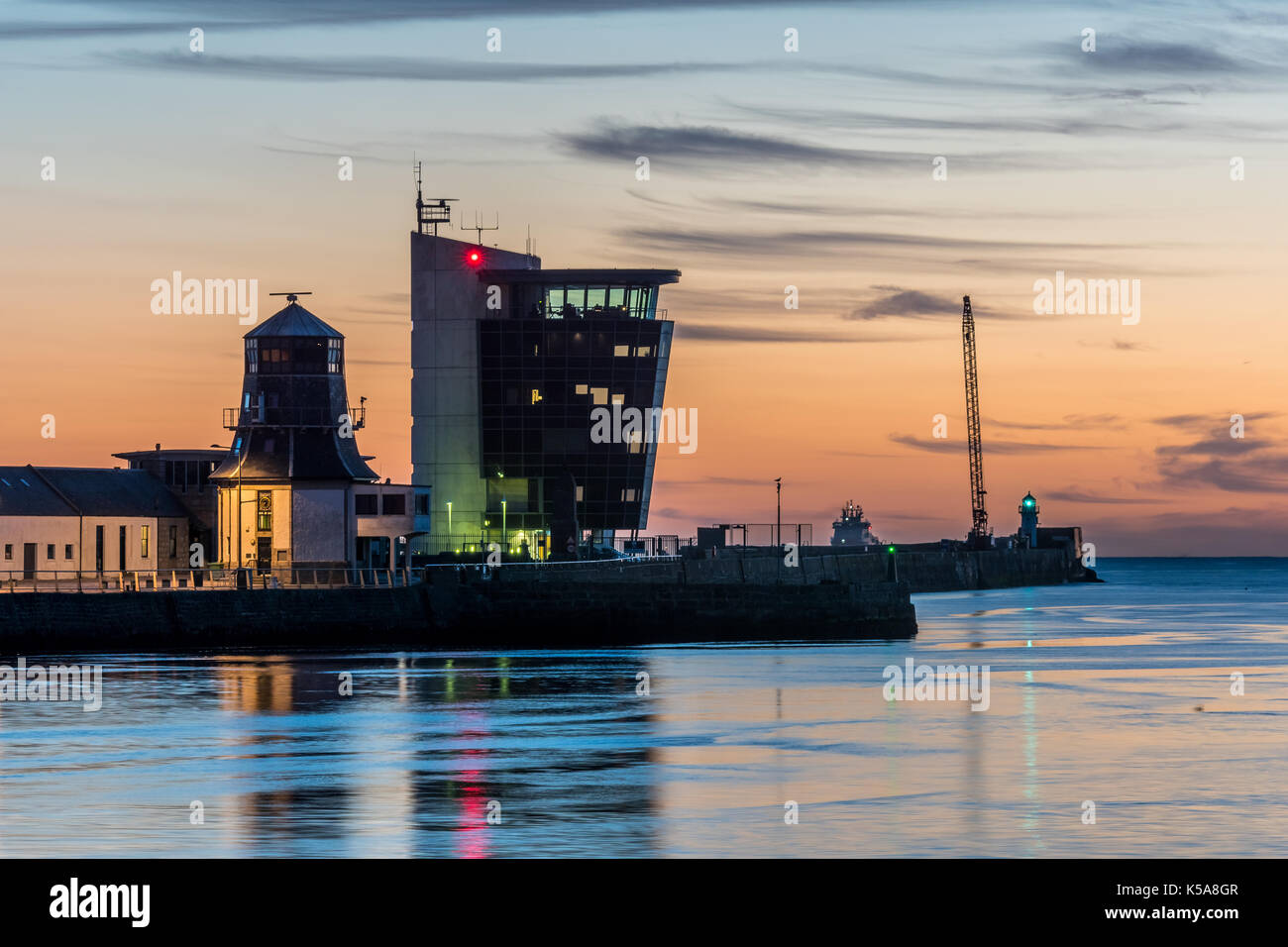Aberdeen, Scotland, UK, August 30th 2017. Marine Operations Tower and the Roundhouse at dawn. - Stock Image
