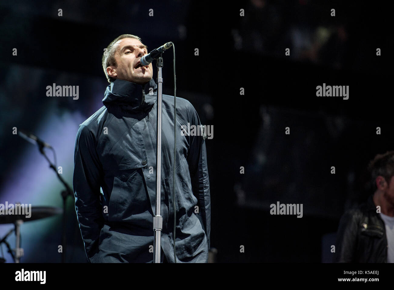 Leeds, UK. 25thAugust 2017.  Liam Gallagher performs on the main stage at Leeds Festival 2017, Bramham Park, Leeds 25/08/2017 © Gary Mather/Alamy Live - Stock Image