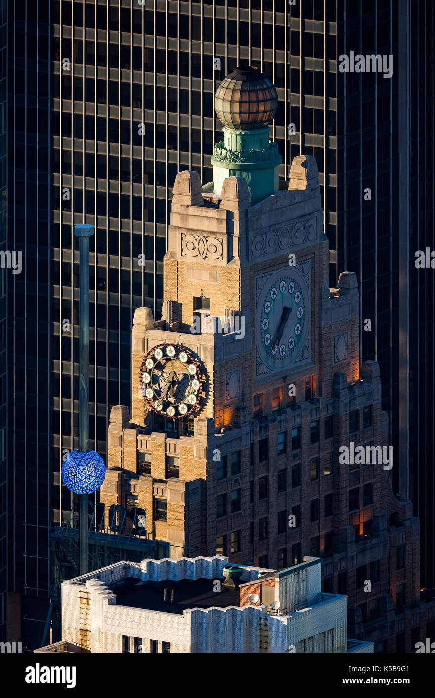 Paramount Building and the Times Square New Year's Eve Ball . Manhattan, New York City - Stock Image