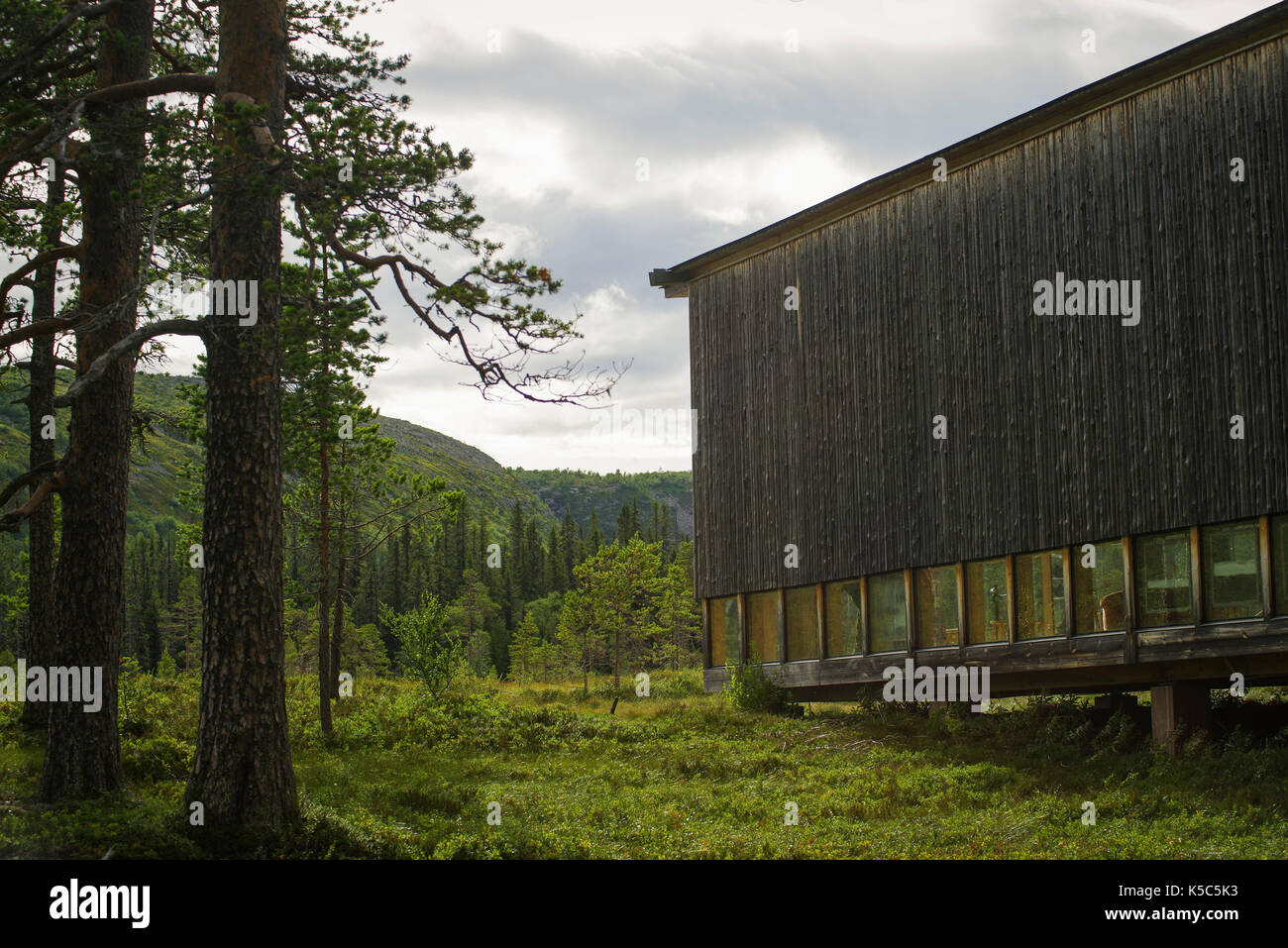 Visitor center in the swedish mountains with beautiful architecture located at the national park Fulufjället in northern Dalarna. - Stock Image