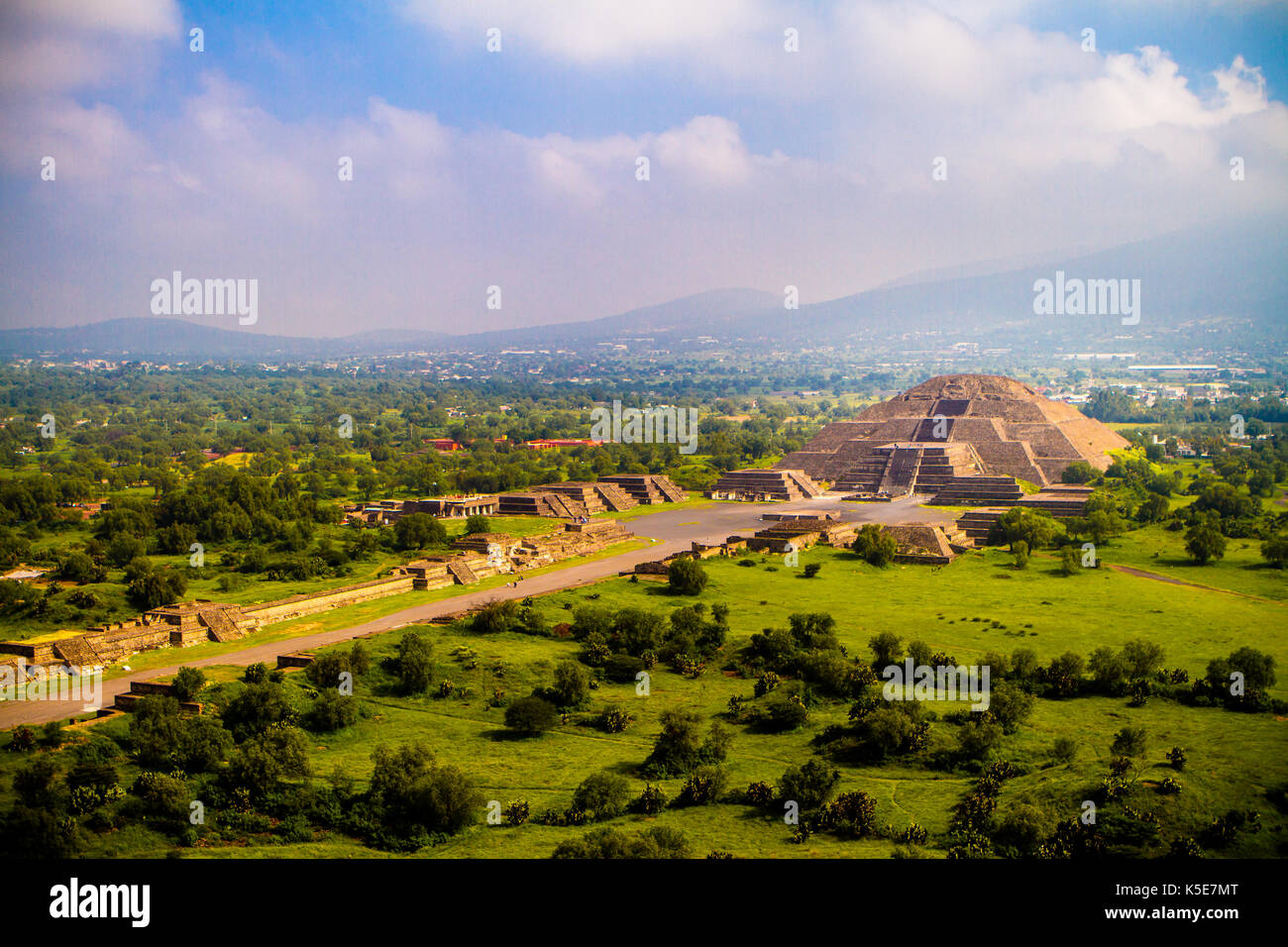 Avenue of the Dead and Pyramid of the Moon, Teotihuacan, Mexico - Stock Image