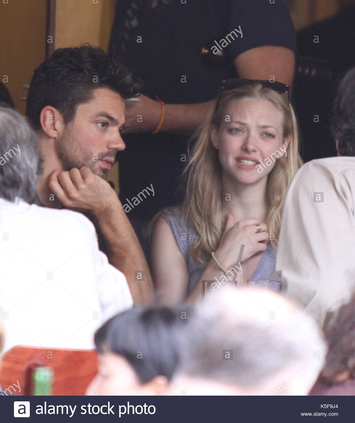 amanda seyfried and dominic cooper amanda seyfried and