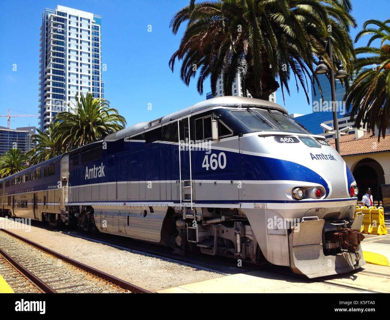 how to get to union station from santa monica