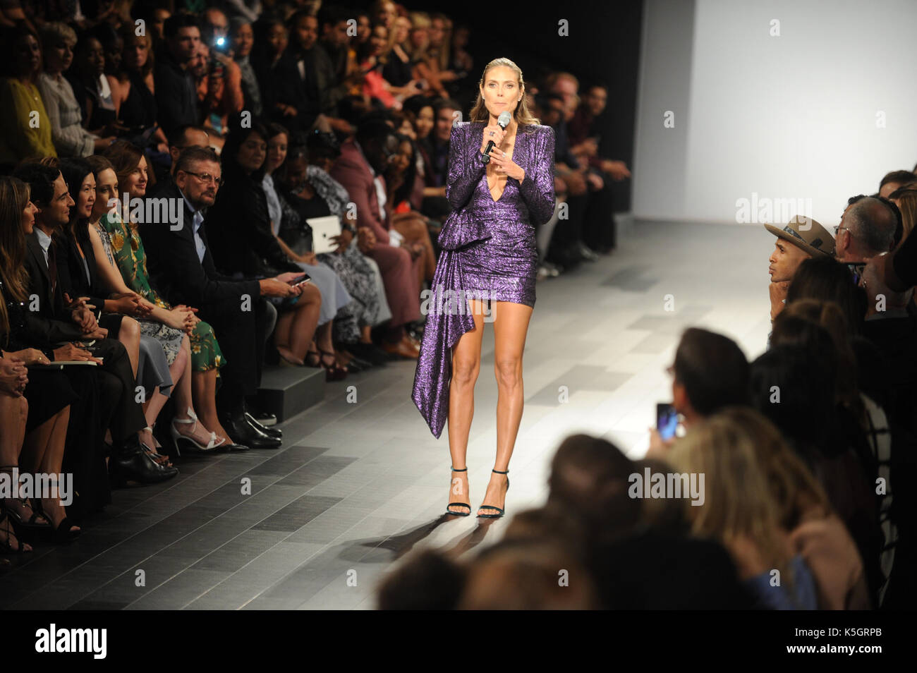 New York Ny September 08 Zac Posen Jesica Alba Heidi Klum And Stock Photo Alamy