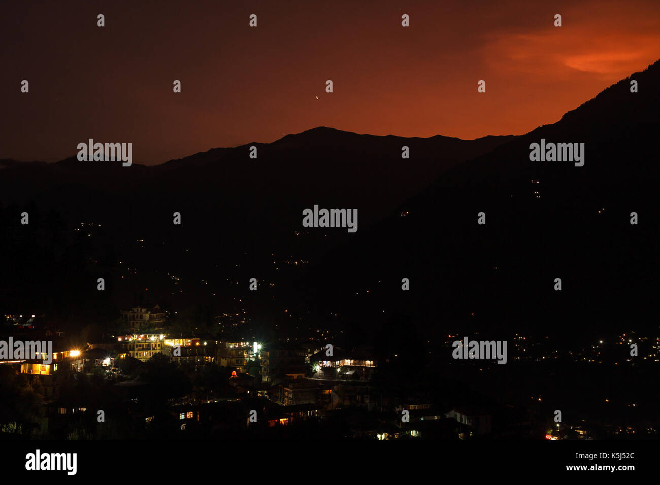 Sunset over Naggar village, Himachal Pradesh - Stock Image