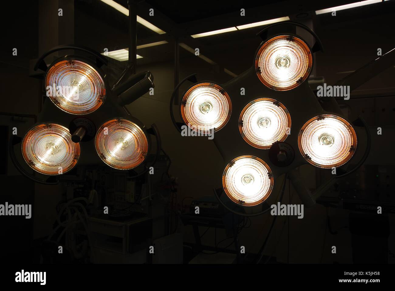 Surgical Lights in a Modern British Hospital Operating Theatre. UK, 2017. - Stock Image
