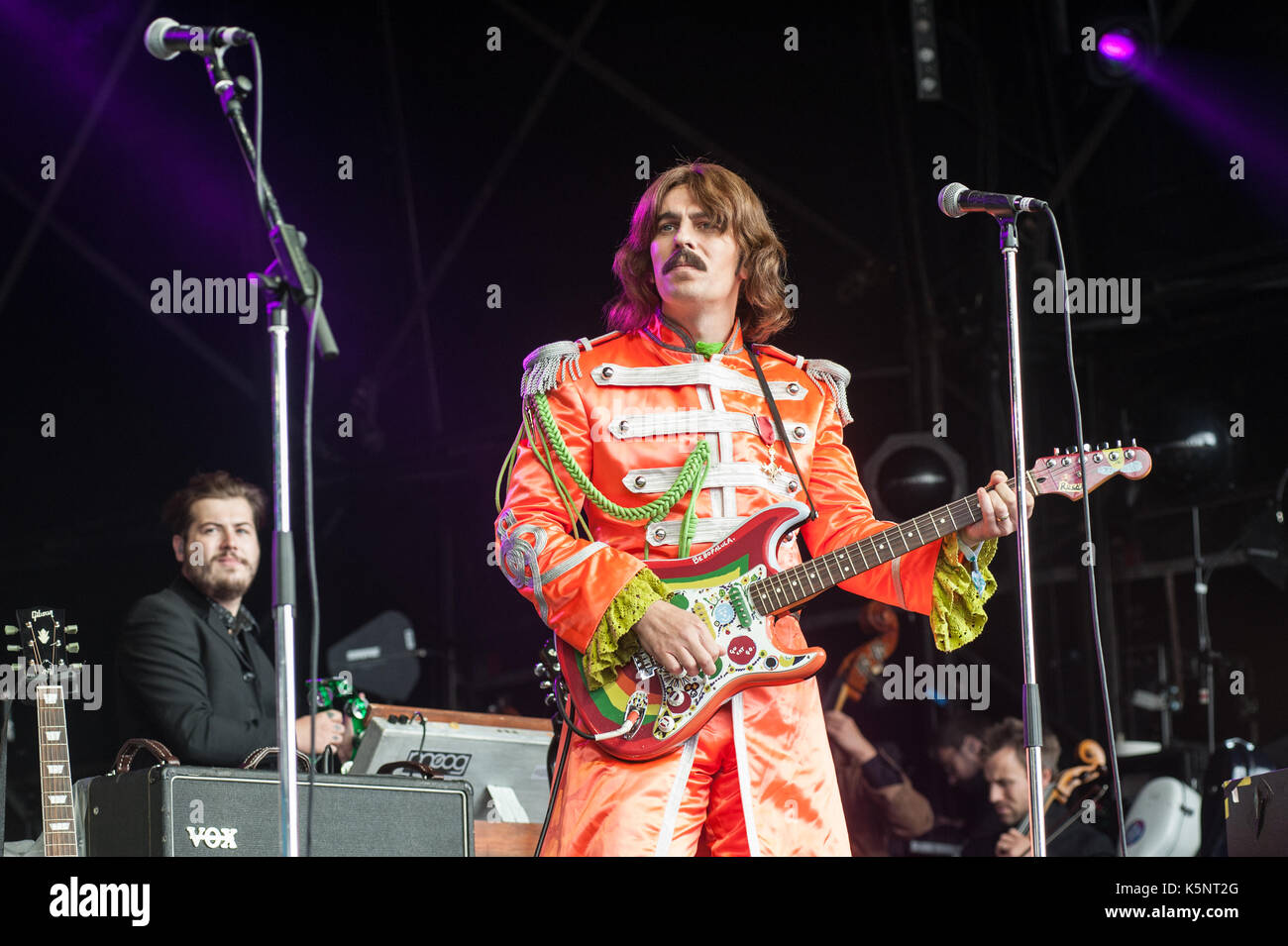 Portmeirion, Wales, UK. 10th September, 2017. The Royal Liverpool Philharmonic Orchestra and The Bootleg Beatles play Festival No.6 Main Stage to celebrate 50th Anniversary of Sergeant Peppers Lonely Hearts Club Band album and the 'Summer of Love' 10th September 2017, Portmeirion, Wales, UK Credit: Ken Harrison/Alamy Live News - Stock Image