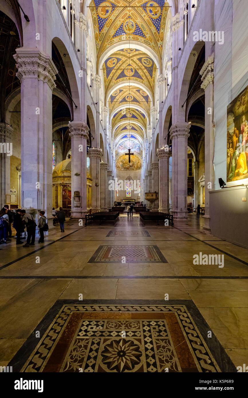 Inside The Lucca Cathedral Duomo Di Lucca Cattedrale Di San Martino Stock Photo Alamy