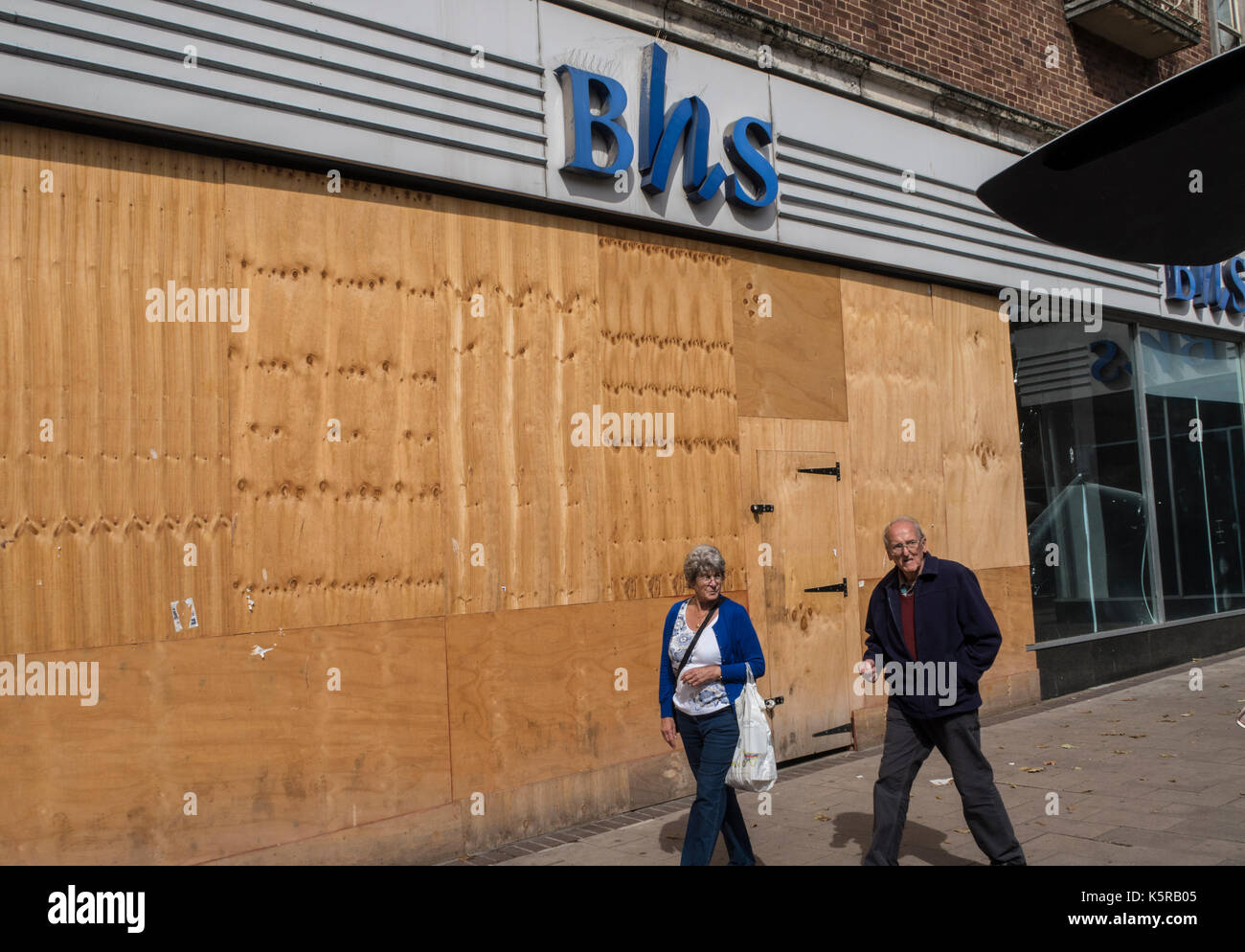 British Homes Stores in Fore Street Exeter, Sep 17, still boarded up and unused after the chain closed down in Aug 16 - Stock Image