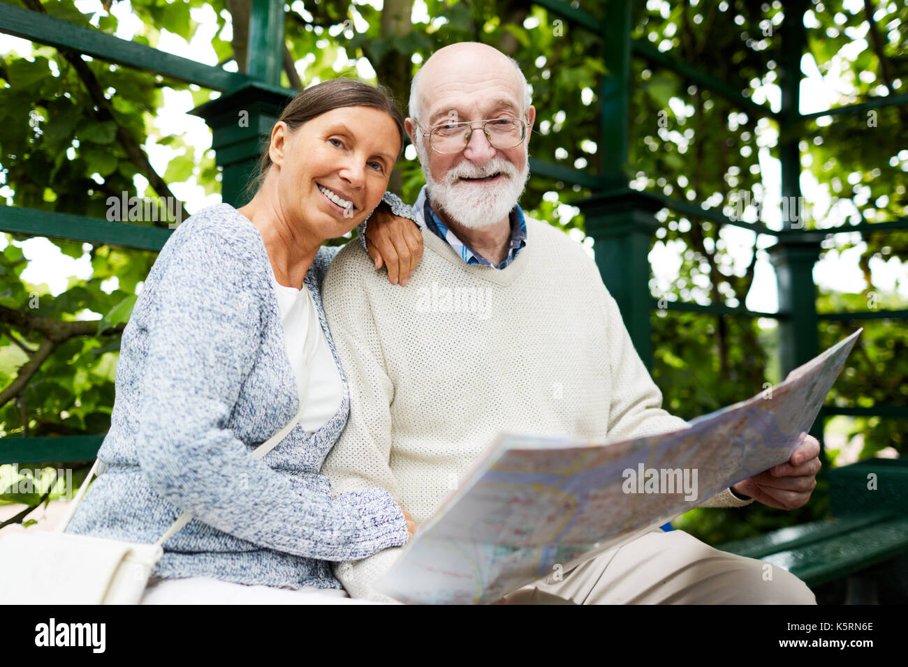 Seniors in park - Stock Image