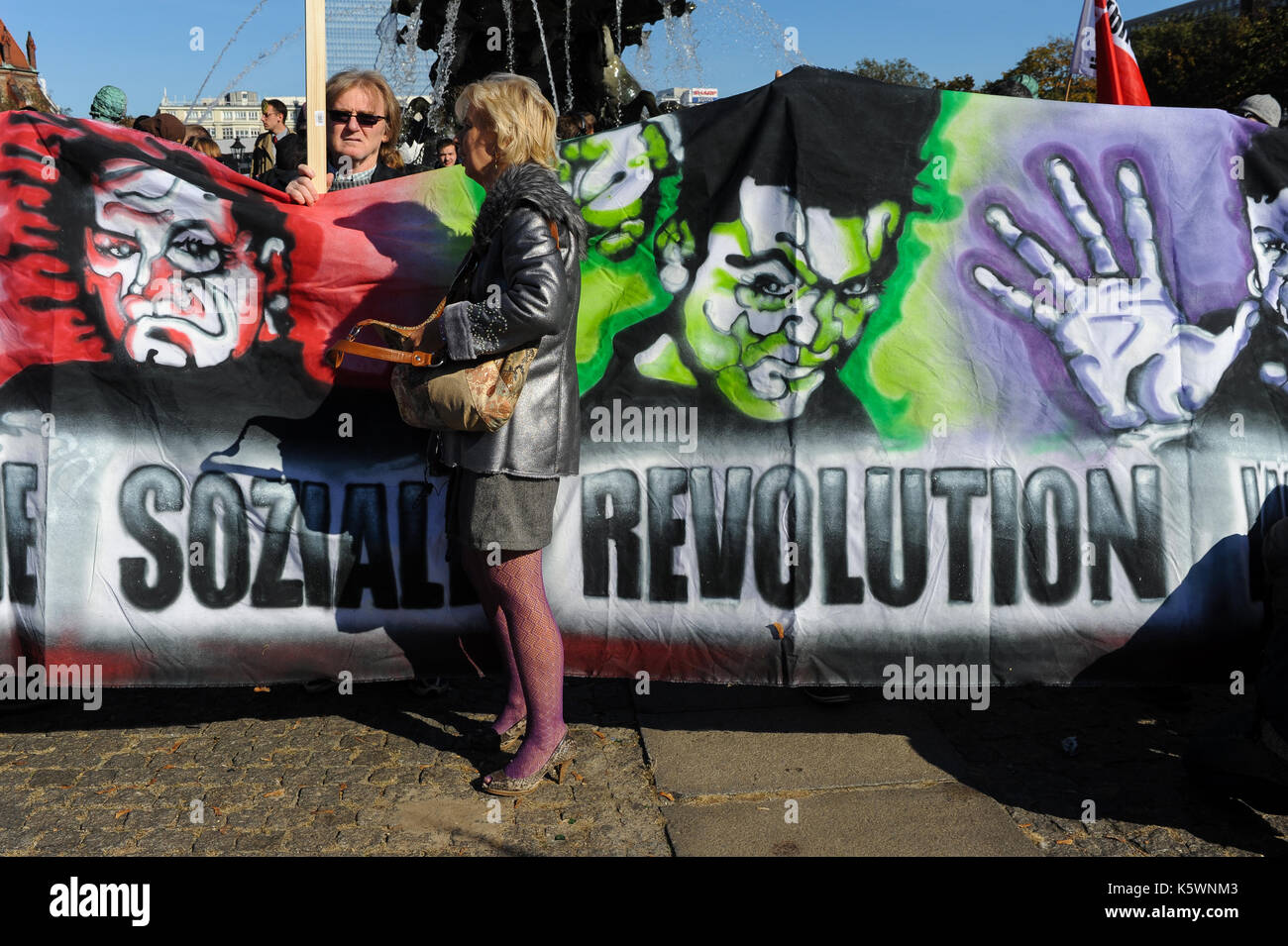 15.10.2011, Berlin, Germany, Europe - Participants at the worldwide protest day against the capitalist crisis in front of the town hall Rotes Rathaus  - Stock Image
