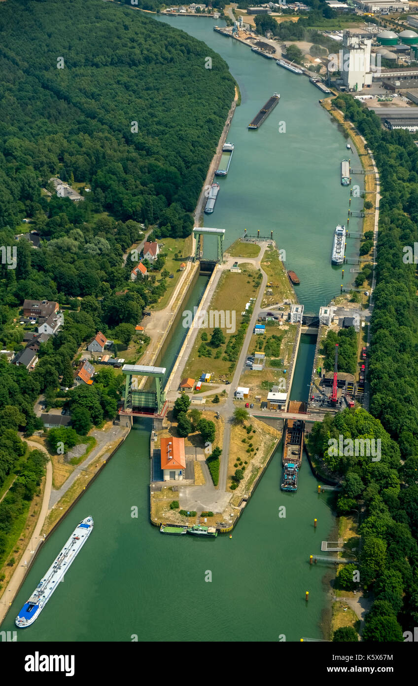 Wesel-Datteln-Kanal, lock with construction works, inland navigation and freighter jam in the lock corridor, Dorsten, Ruhr area, North Rhine-Westphali - Stock Image