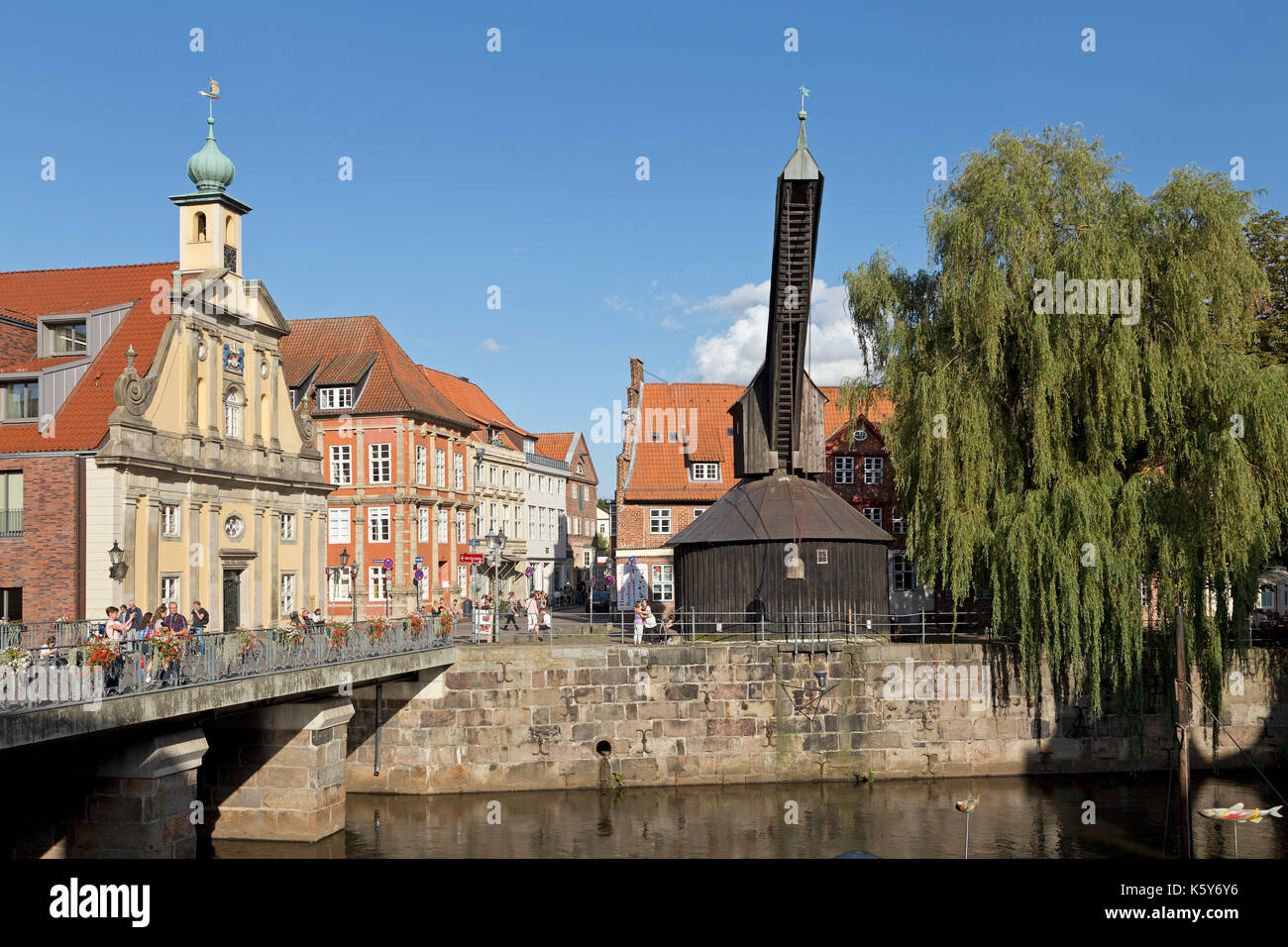 Hotel Altes Kaufhaus and treadwheel crane, Old Harbour, Lueneburg, Lower Saxony, Germany - Stock Image