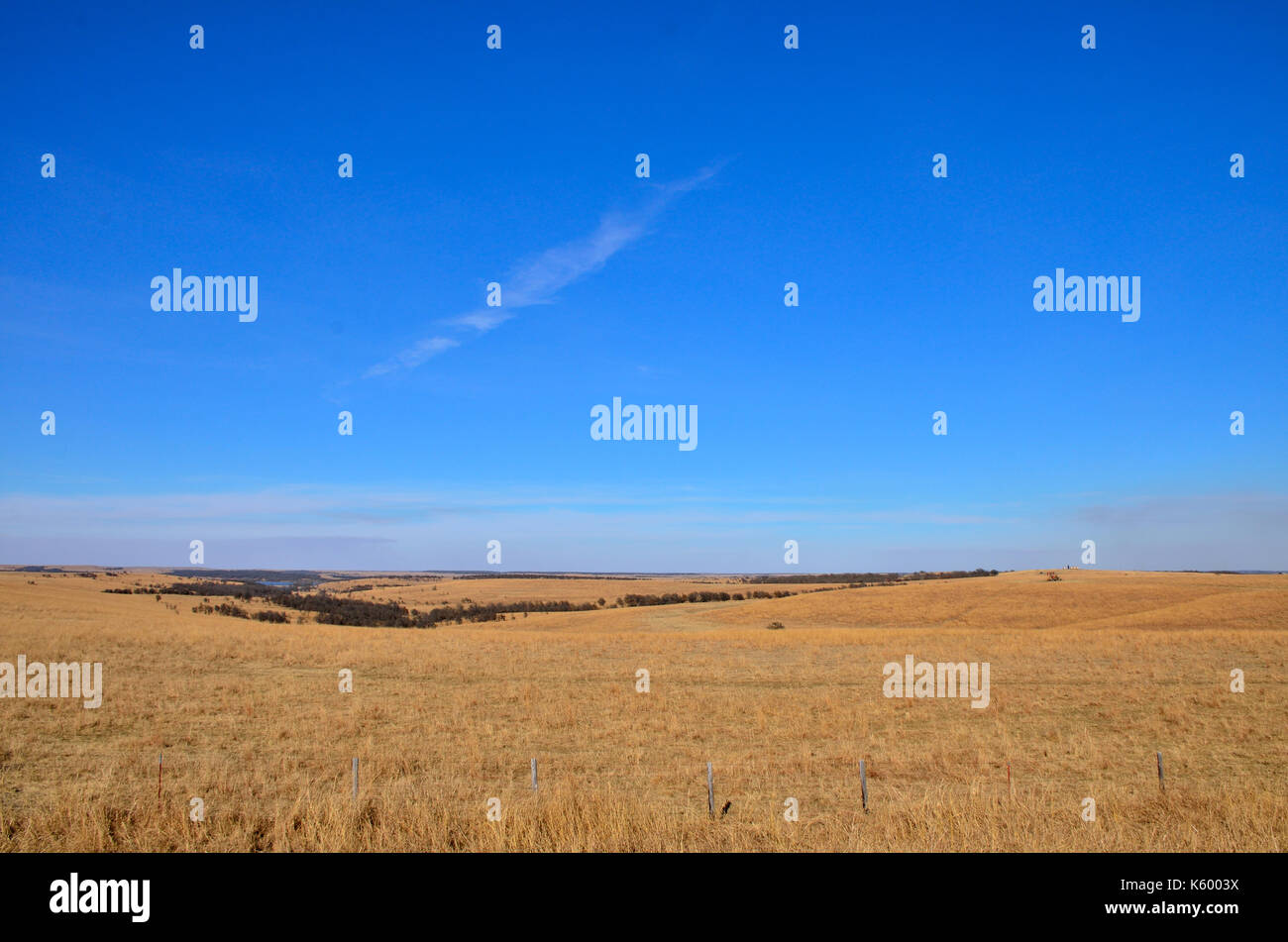 Wide open spaces of the Oklahoma plains. - Stock Image