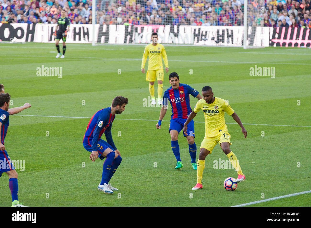 Gerard Piquet and Luis Suarez - 6/5/17 Barcelona v Villarreal football league match at the Camp Nou stadium, Barcelona. - Stock Image
