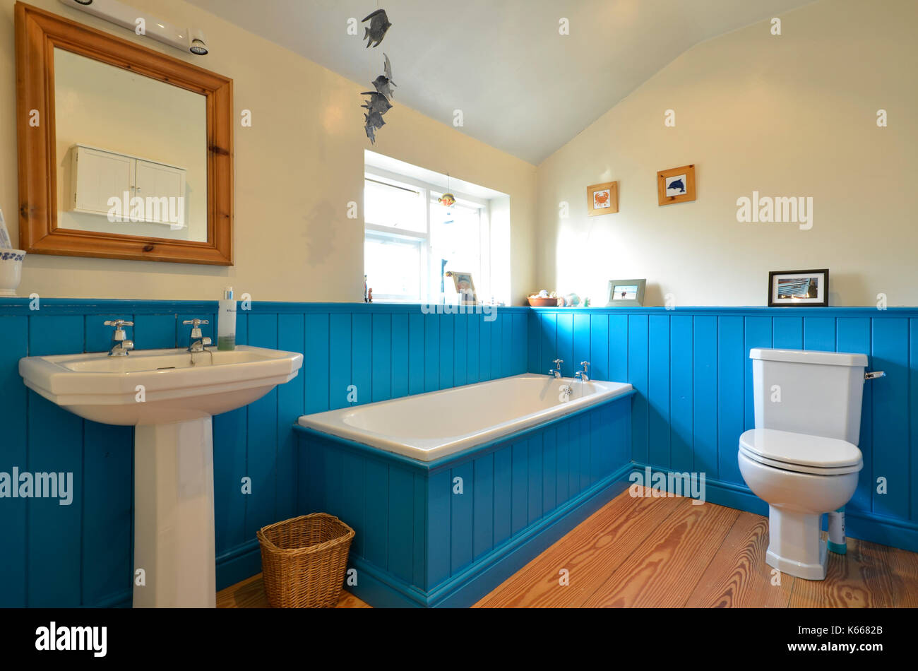 Shower Enclosure Stock Photos & Shower Enclosure Stock Images - Alamy