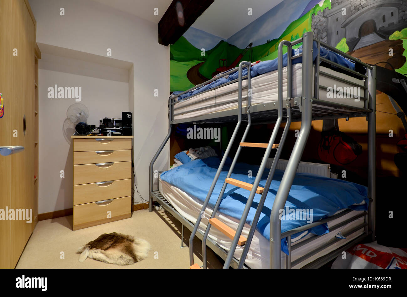 Bunk Beds Kids High Resolution Stock Photography And Images Alamy