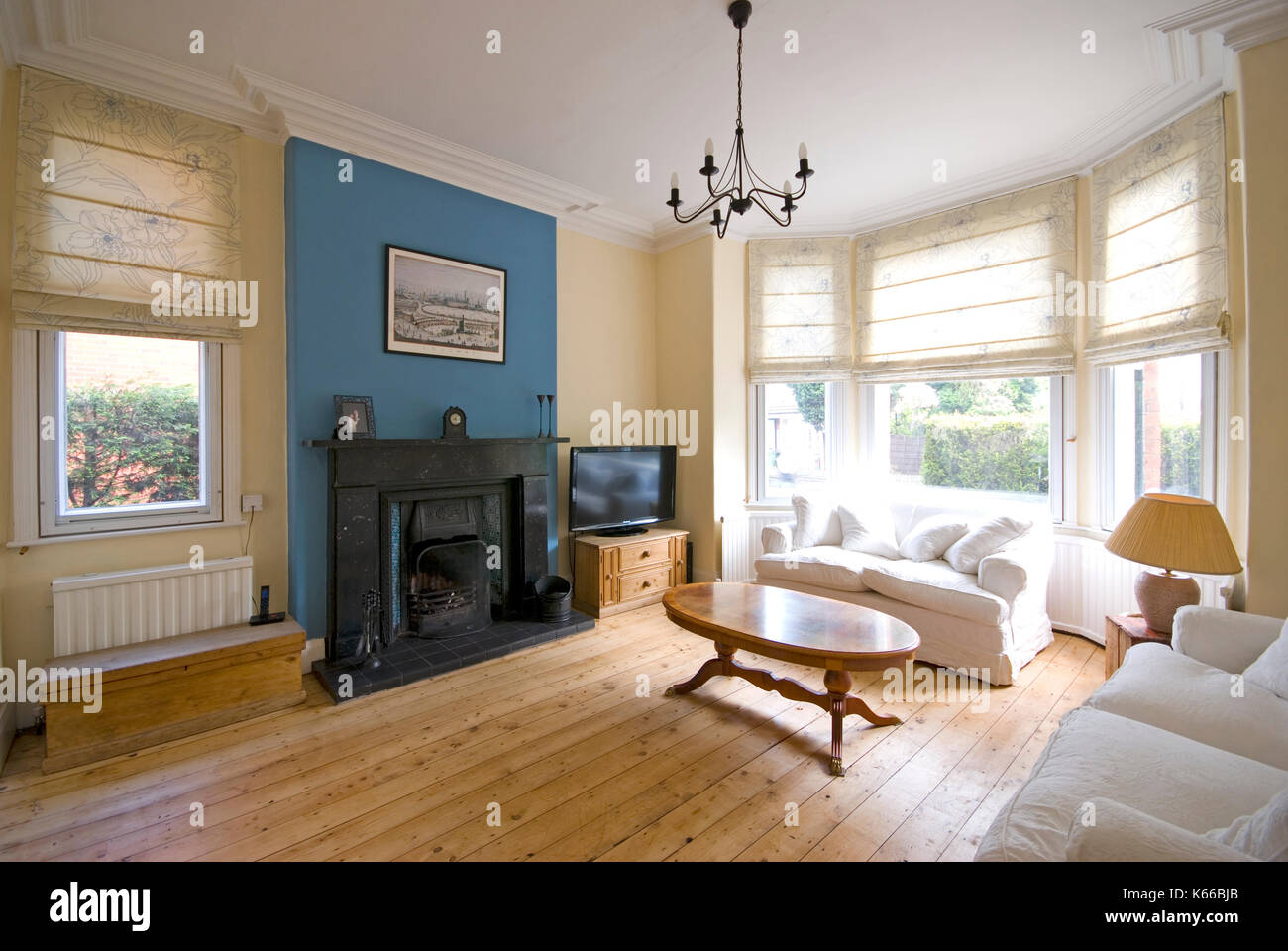 Sitting Room In Victorian House With Large Bay Windows Stock Photo Alamy