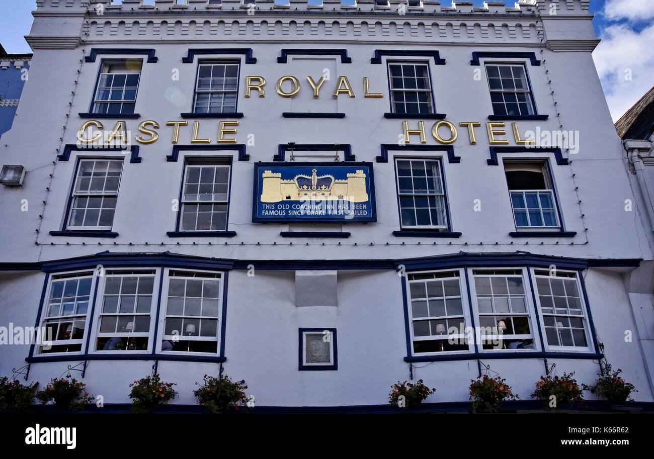 Royal Castle Hotel. Dartmouth, Devon, England, a town and civil parish.  A tourist destination  on the western bank Stock Photo