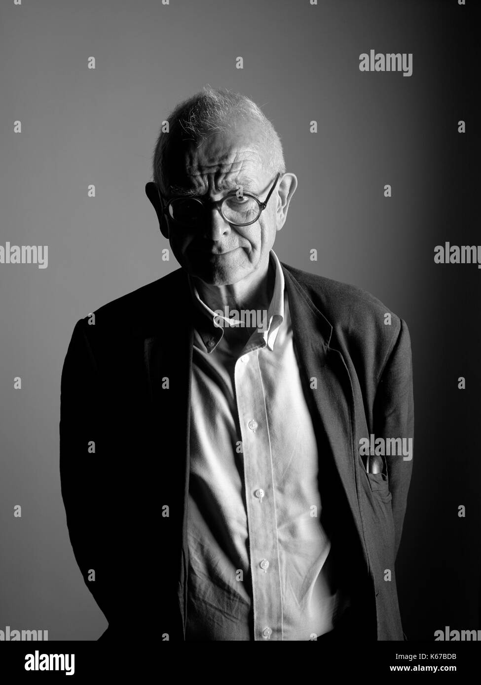 Henry Marsh speaking at the Oldie Literary Lunch Stock Photo