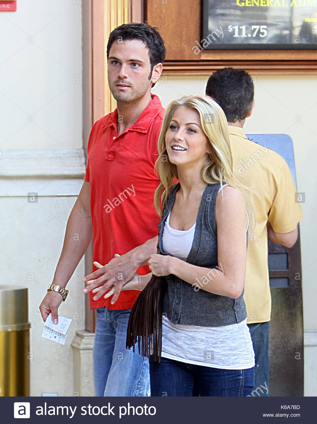 Julianne hough dating zach wilson