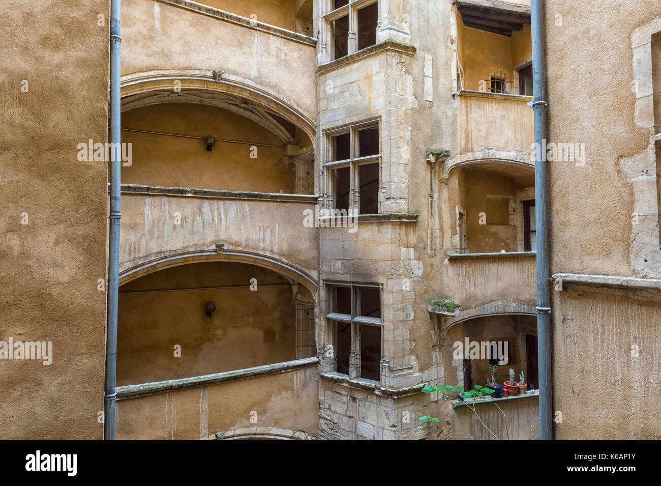 Traboule Les deux Cours, Saint Jean District, Unesco World Heritage Site, Old Lyon, Rhône Alpes, France Stock Photo