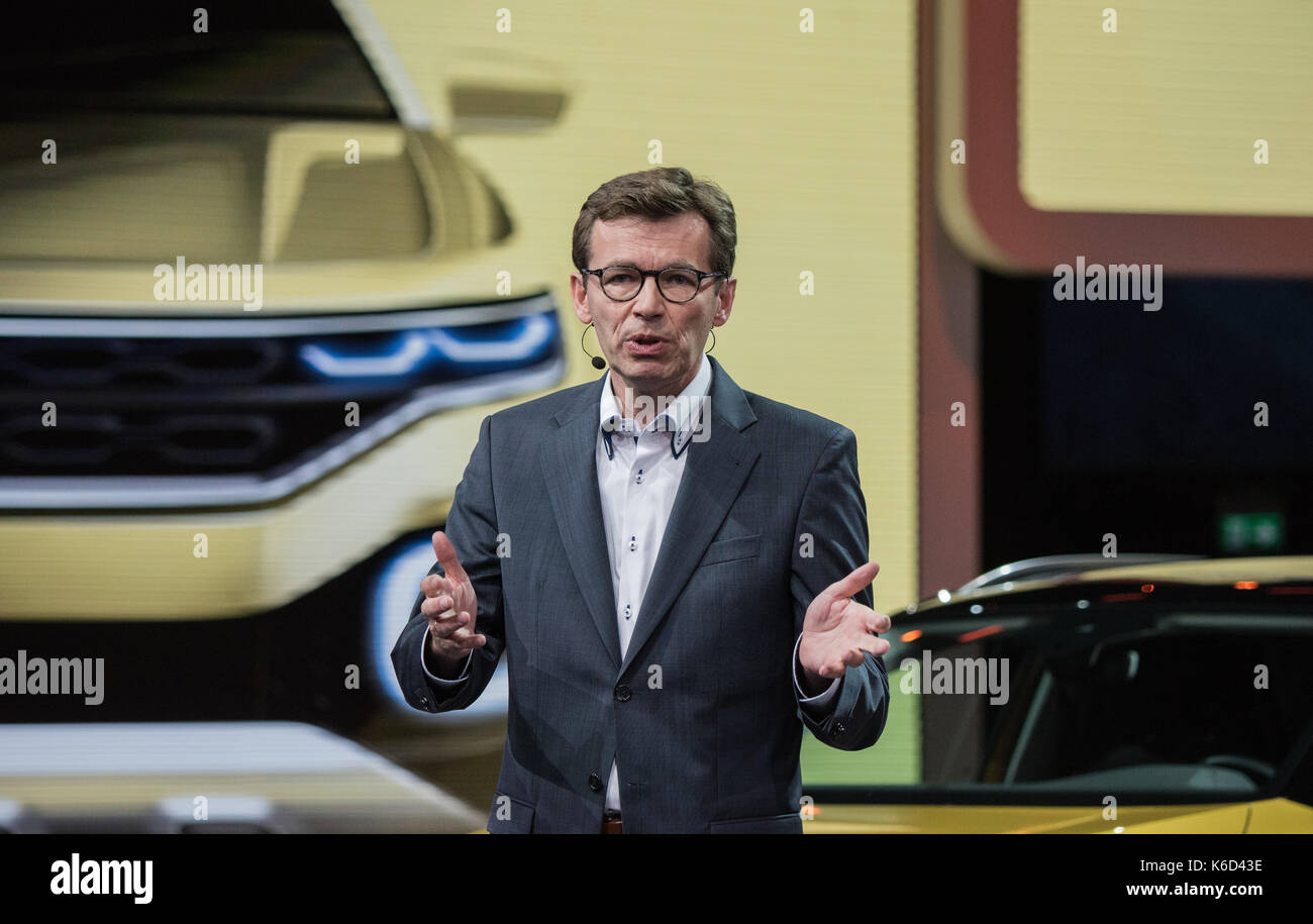 Frankfurt, Germany. 12th Sep, 2017. Development chairman Frank Welsch presents the SUV 'T-Roc R-Line' in Frankfurt am Main, Germany, 12 September 2017. The Internationale Automobil-Ausstellung (IAA) (International Motor Show Germany) takes place from 14-24 September. More than 1000 manufacturers from nearly 40 countries present their innovations at the world's largest motor show. Credit: dpa picture alliance/Alamy Live News - Stock Image