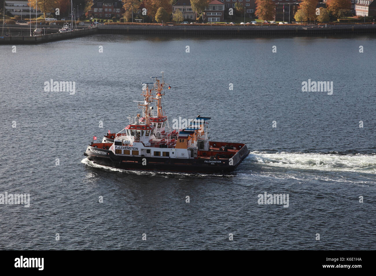 Tug boats Falckenstein and Kitzeberg entering the port of Kiel, northern Germany - Stock Image