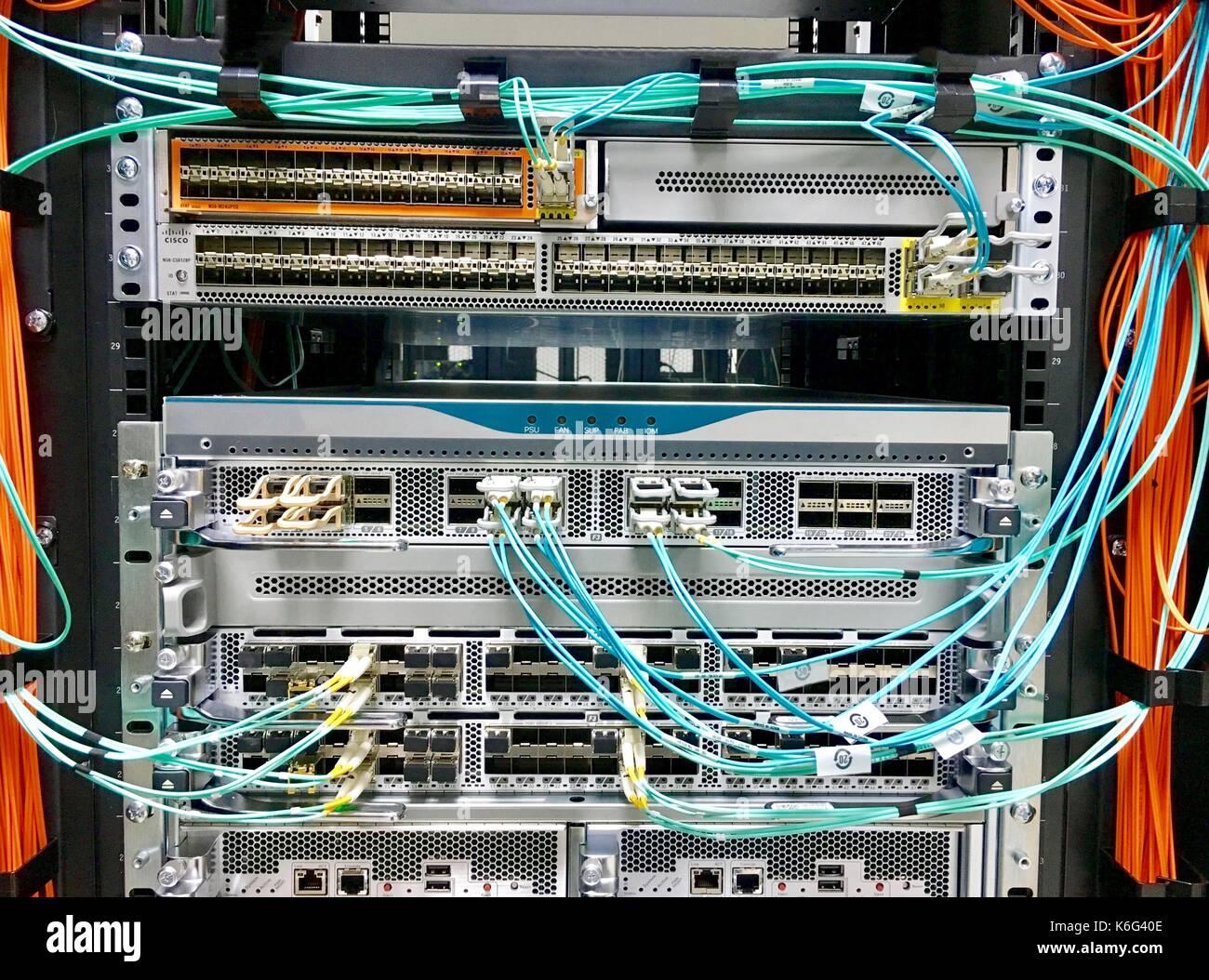 Modern Datacenter Data Center Stock Photos & Modern Datacenter Data ...
