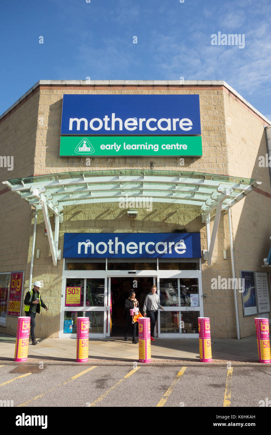 Mothercare store and Early Learning Centre at Kew Retail Park, Richmond, Surrey, London, TW9, UK. - Stock Image