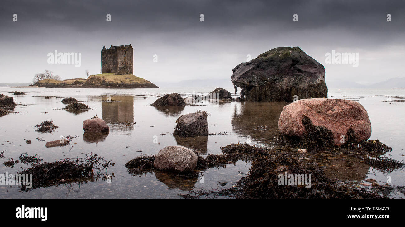 Castle Stalker stands on a small coastal island in Loch Laich in Argyll on the west coast of the Highlands of Scotland. - Stock Image