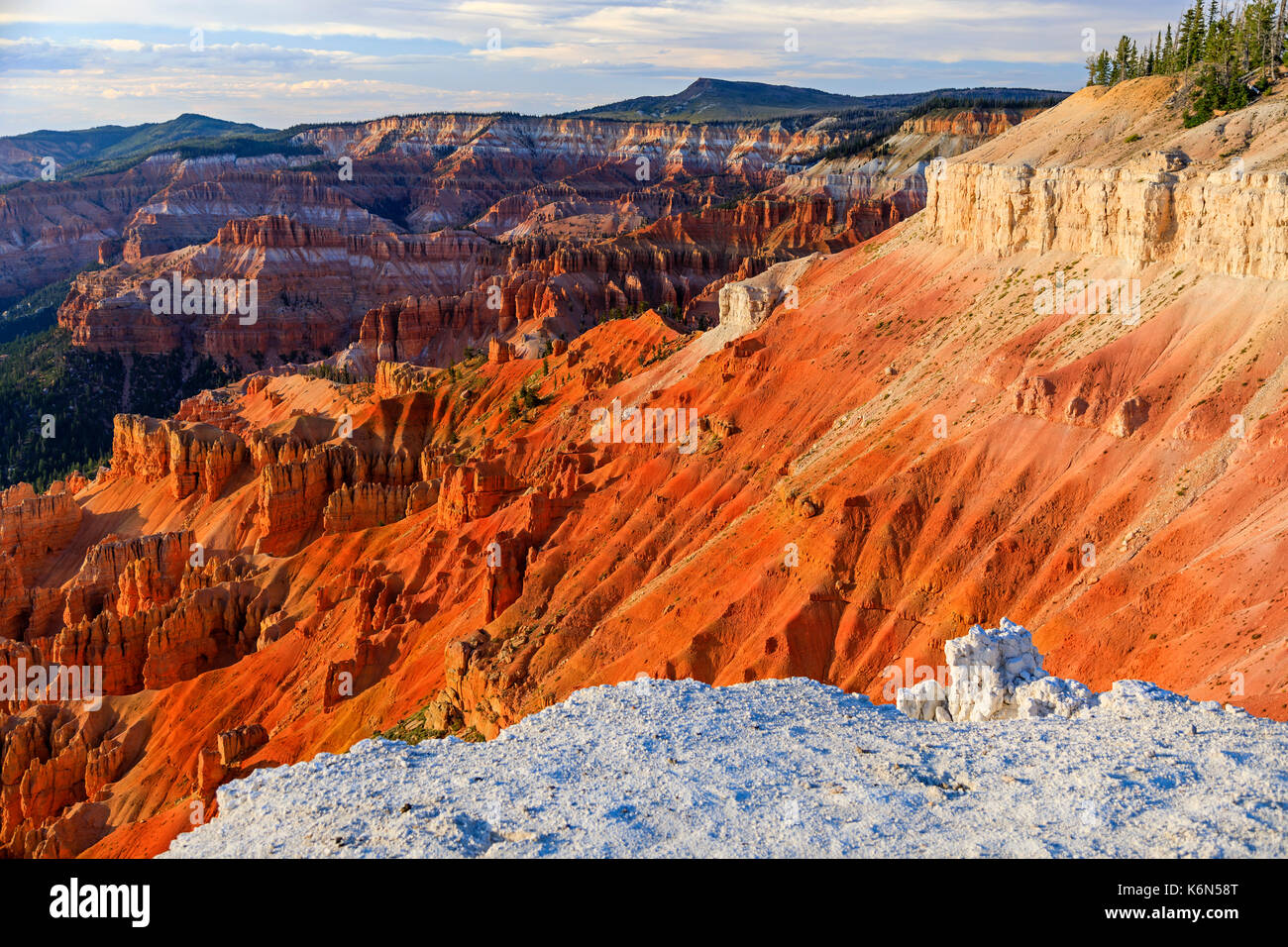 The Amphitheater of Cedar Breaks National Monument, Utah, USA.  The amphitheater is over 2,000 feet deep and over three miles in diameter. - Stock Image