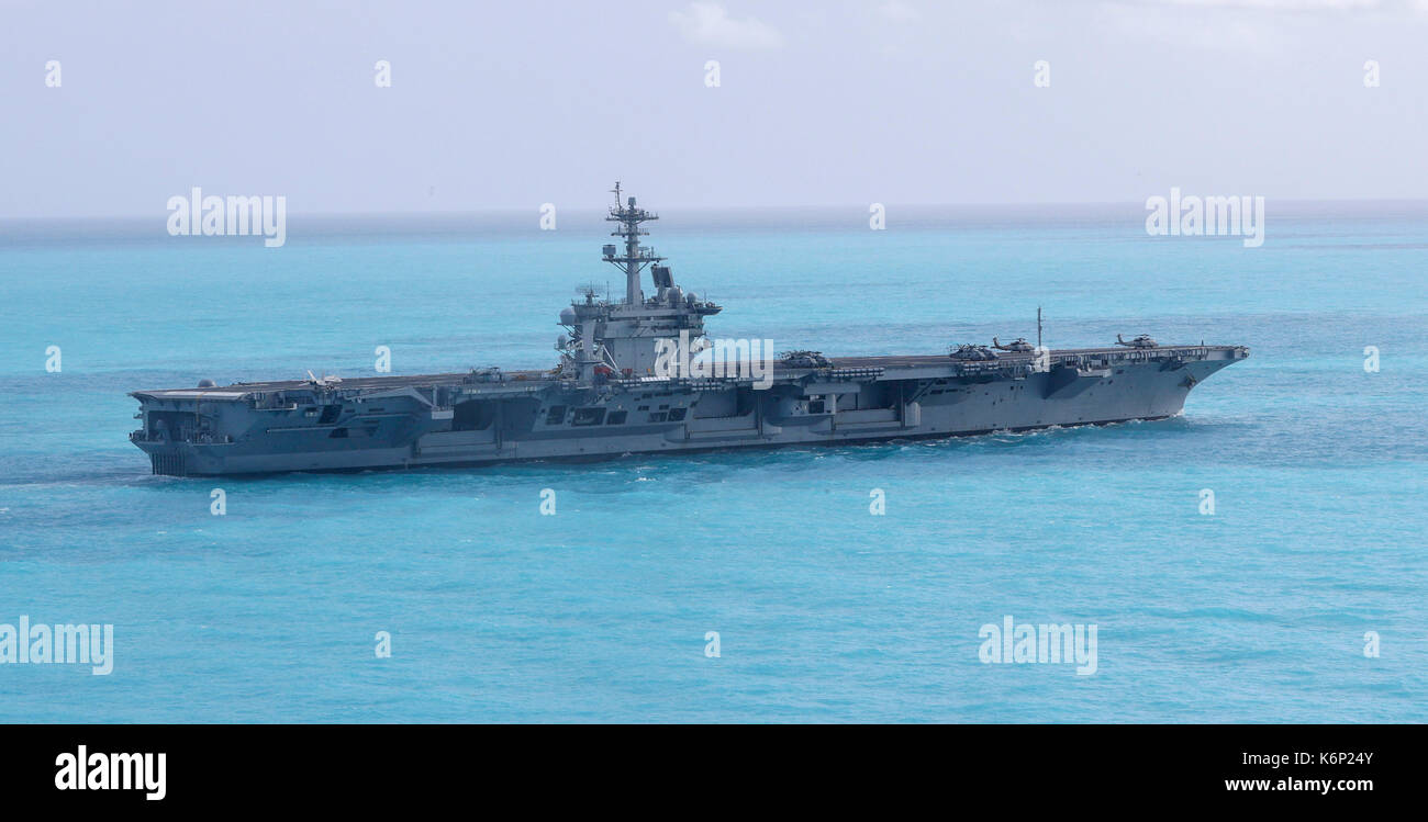 The Nimitz-class aircraft carrier USS Abraham Lincoln (CVN 72) - Stock Image