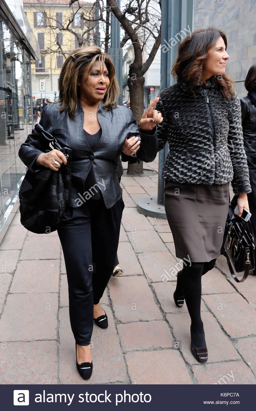 Tina Turner and Roberta Armani. Tina Turner and Erwin Bach in Milan Stock Photo: 159073806 - Alamy