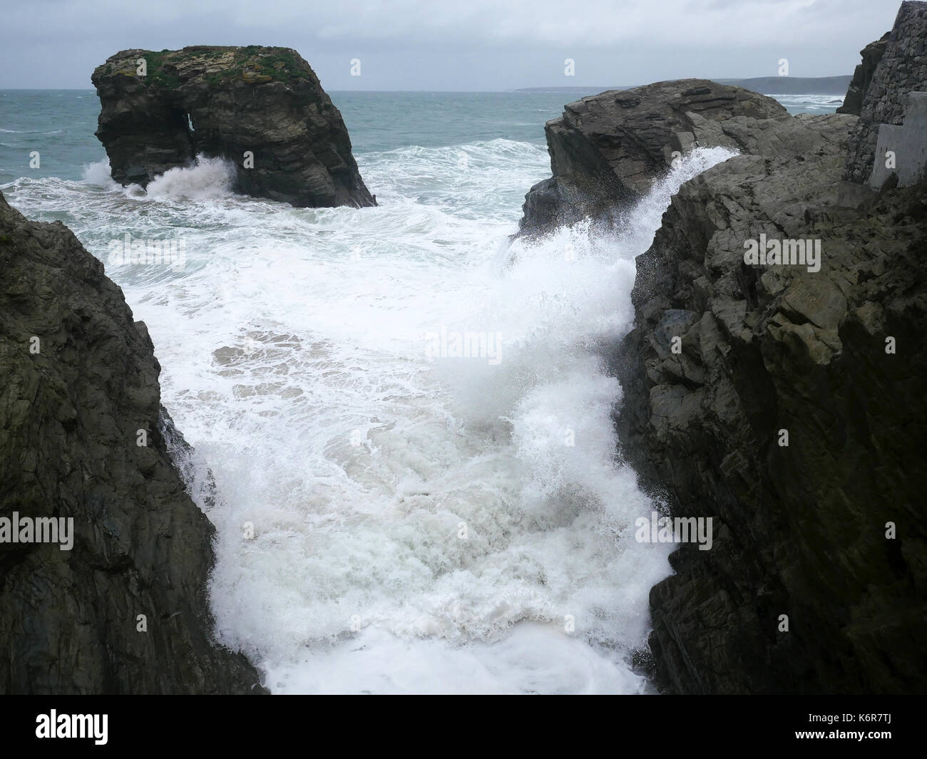 Newquay, Cornwall, UK. 13th Sep, 2017. Storm Aileen - the first named storm of the season, causes stormy seas and gale force winds in Newquay. Credit: Nicholas Burningham/Alamy Live News - Stock Image