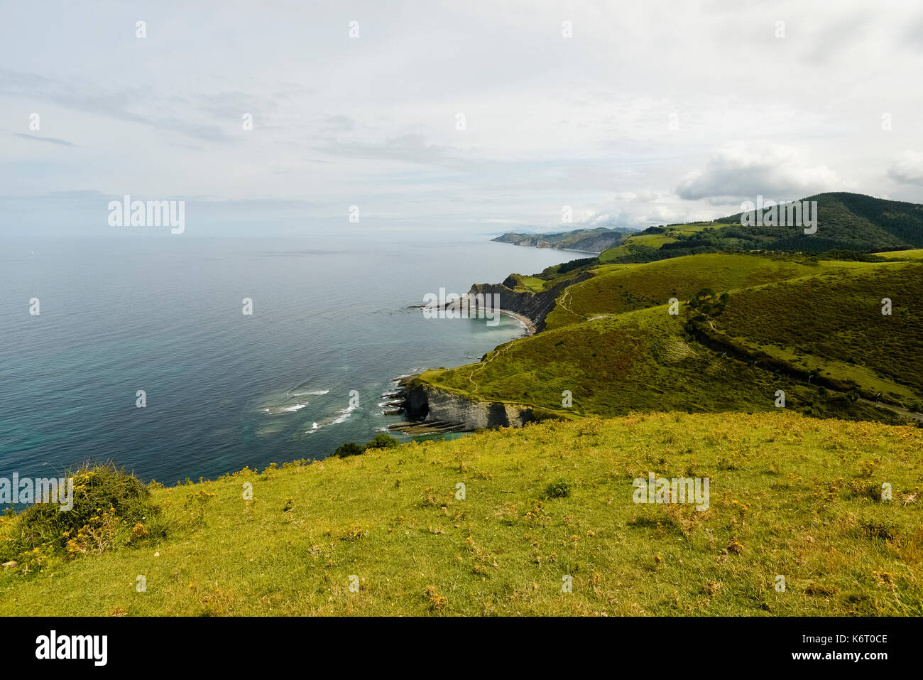 Landscape of the coast of the Basque Country and France in the North of Spain. Photo: Eduardo Manzana - Stock Image