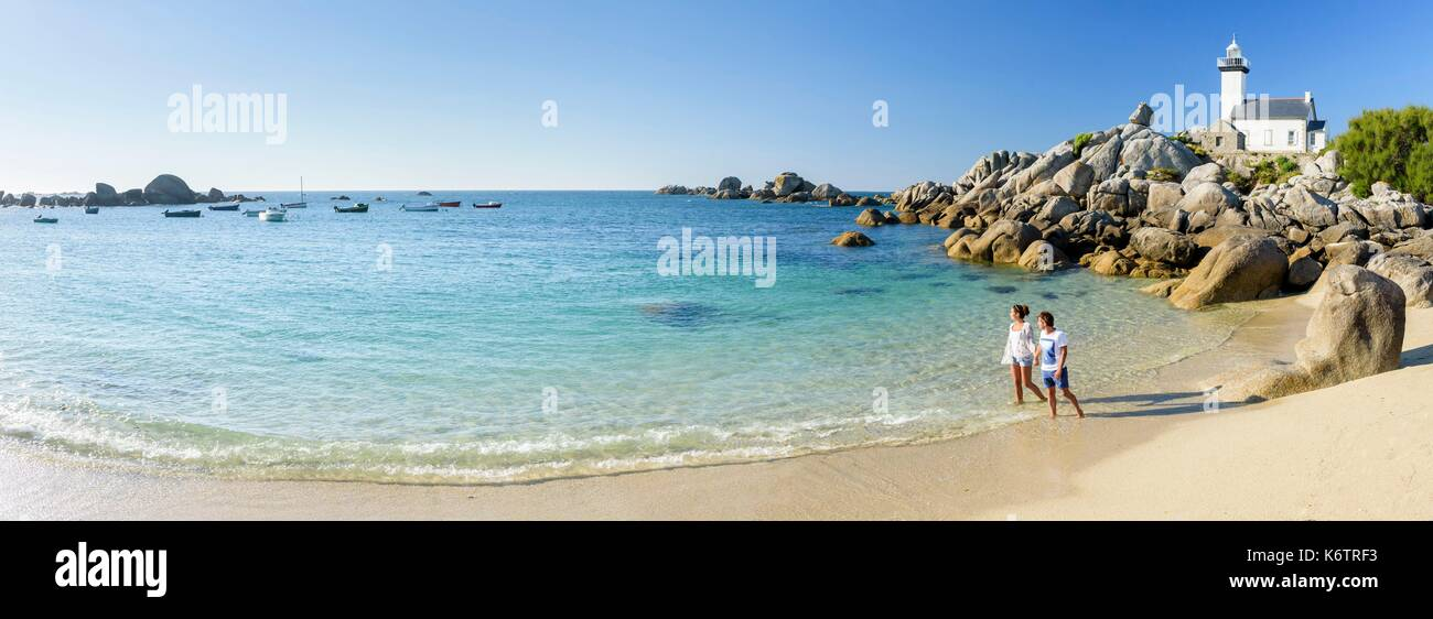 France, Finistre, Brignogan-Plages, beaches and the lighthouse of Pontusval - Stock Image
