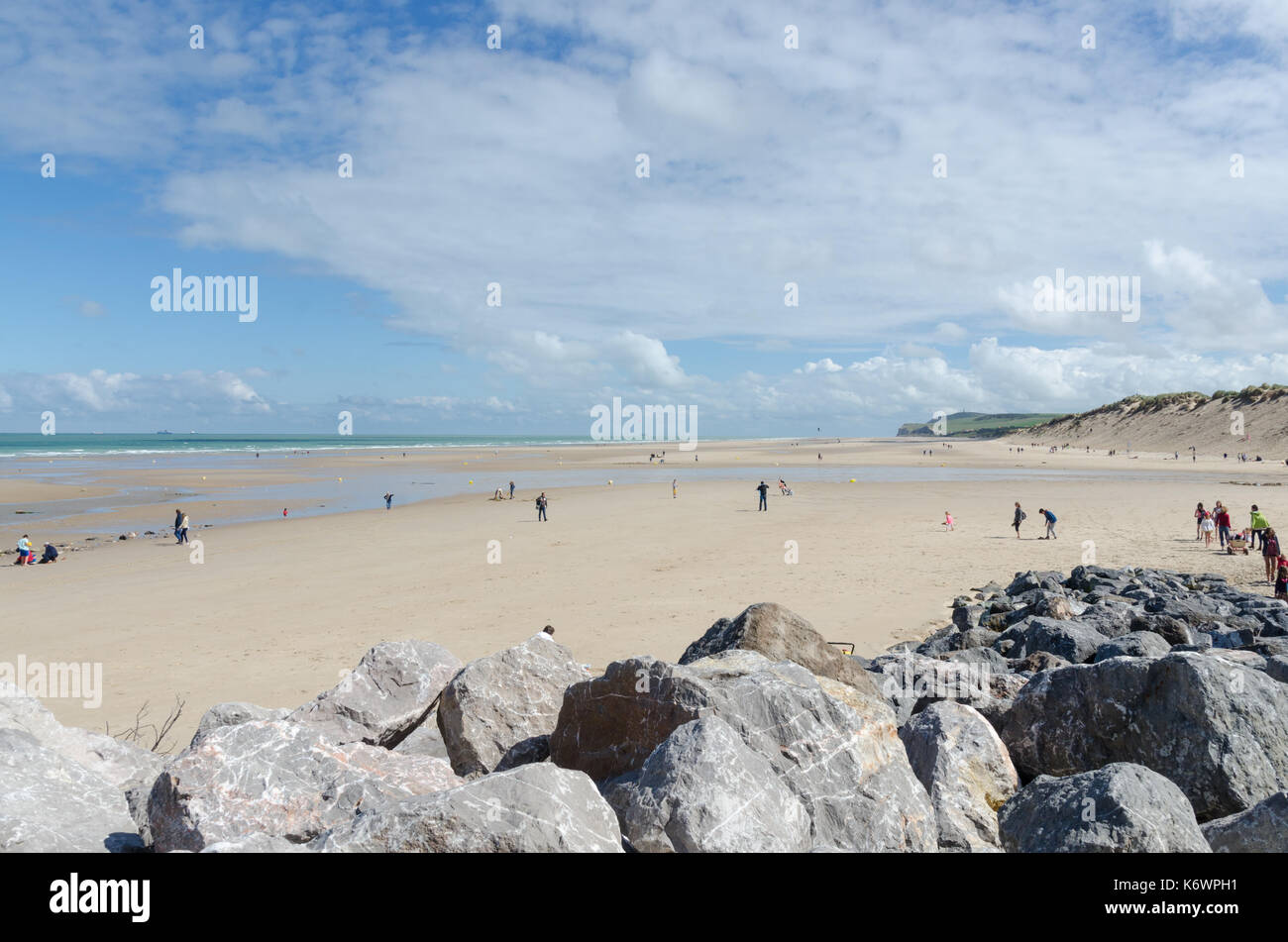 The large sandy beach at the french seaside town of Wissant in the Pas-de-Calais region of Northern France - Stock Image