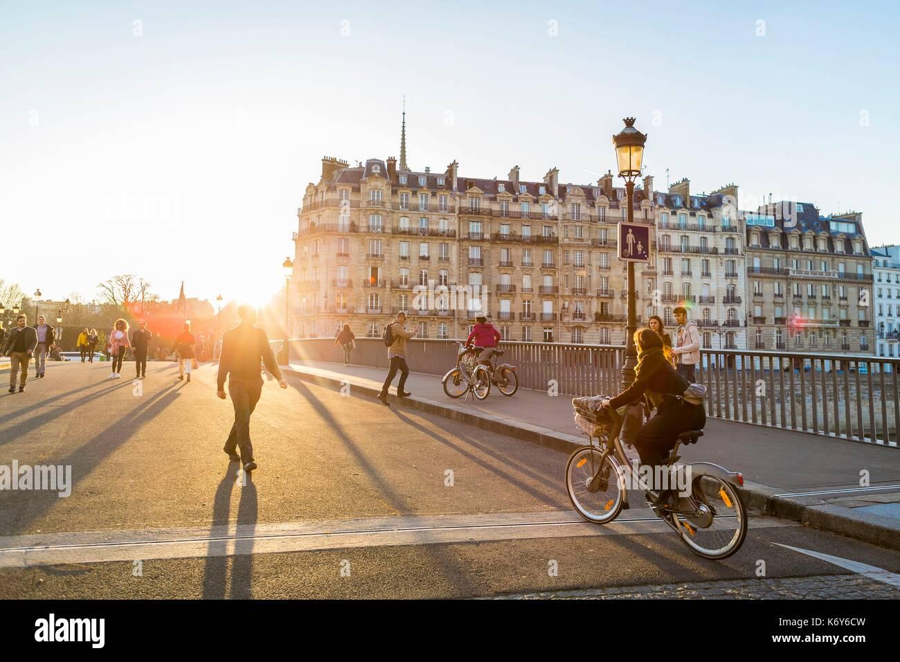 France, Paris, area listed as World Heritage by UNESCO, Saint Louis Island, Saint Louis bridge - Stock Image