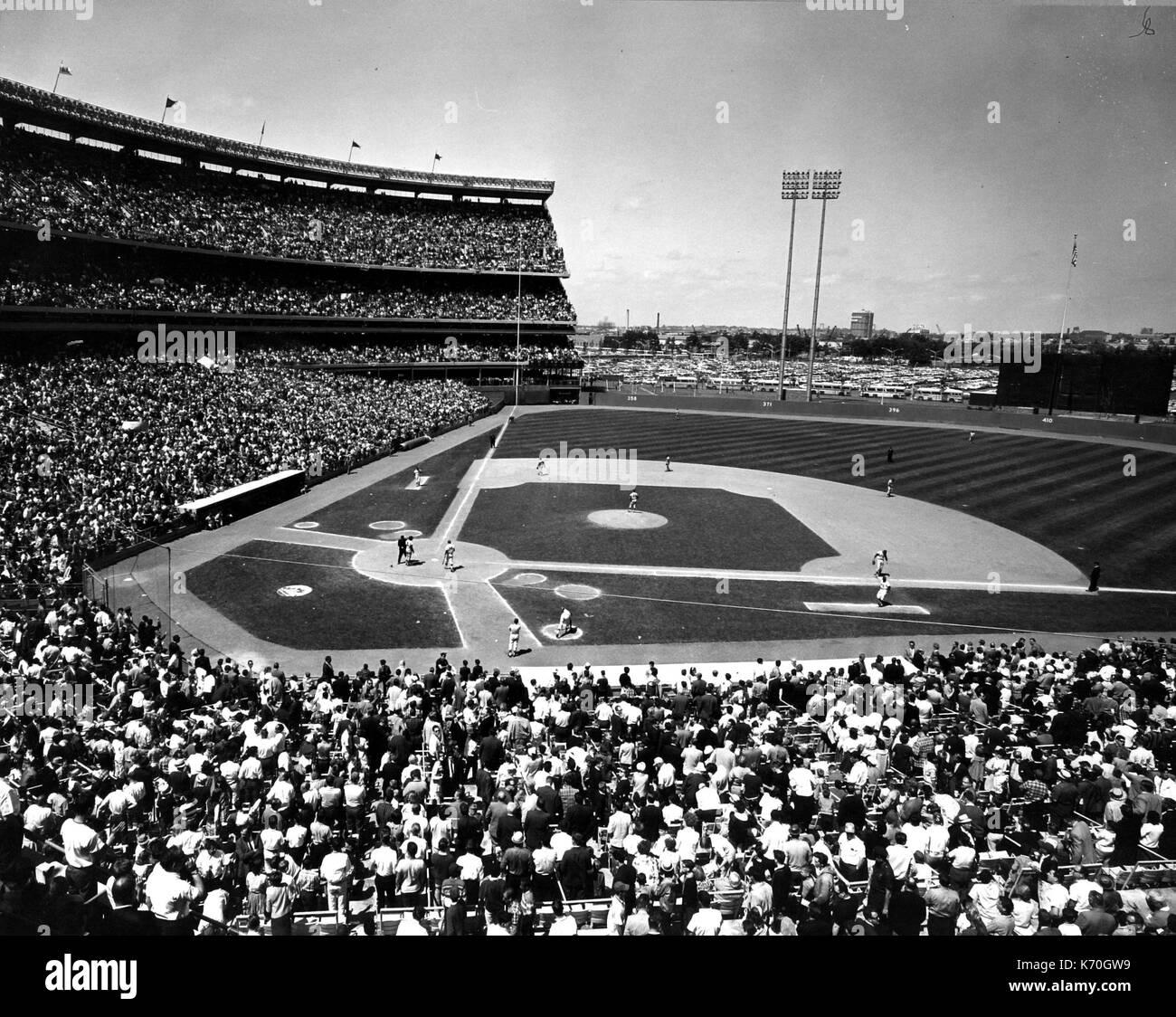 Madison Square Garden: Shea Stadium Black And White Stock Photos & Images