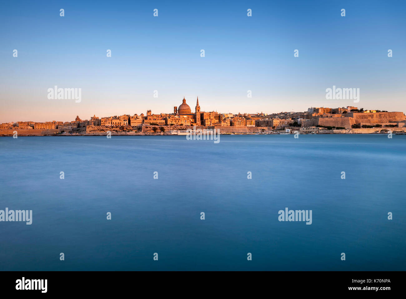 Dusk view of the old town of Valletta, the capital of Malta. - Stock Image