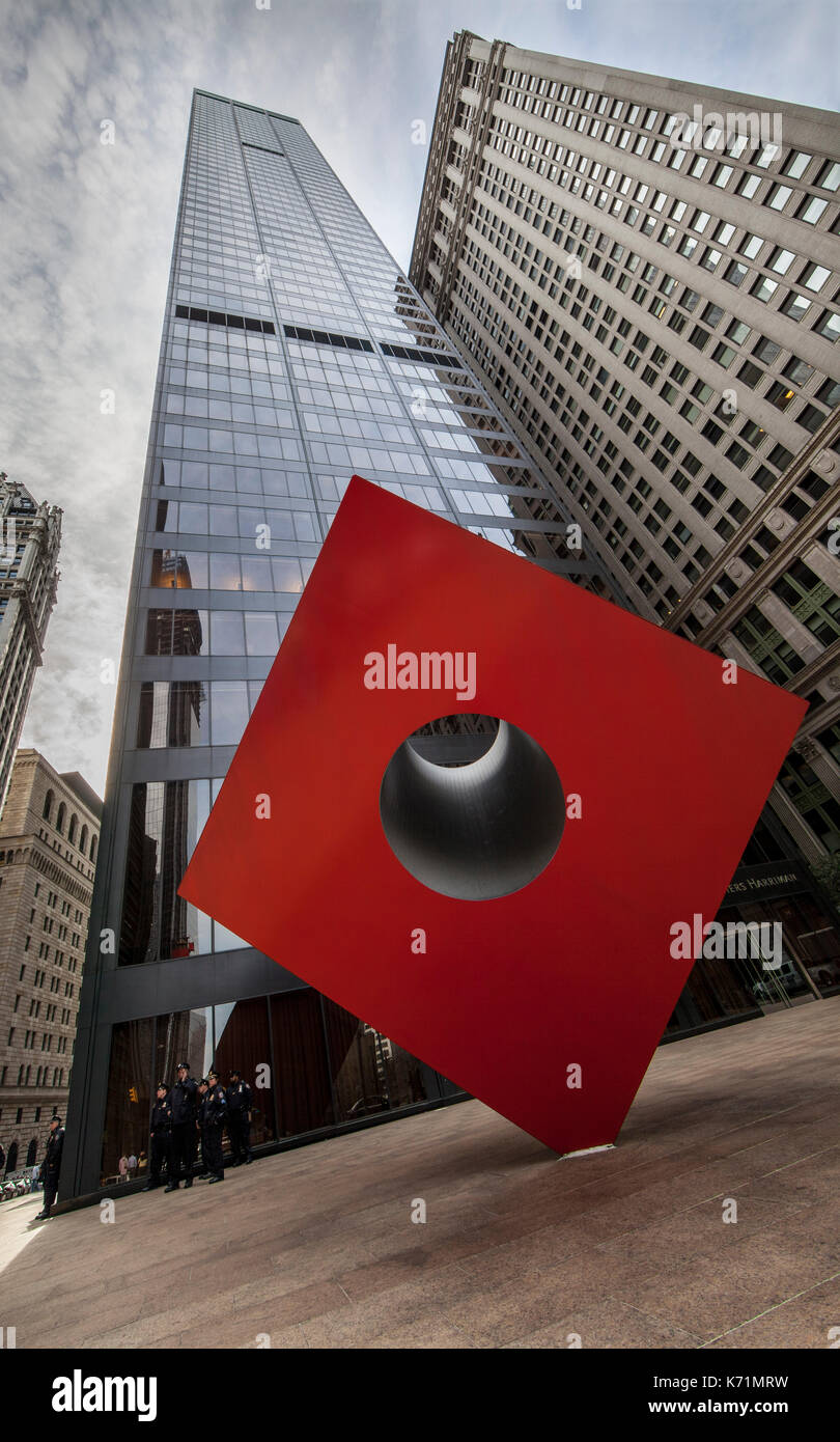 Isamu Noguchi's Iconic Red Cube at 140 Broadway in Lower Manhattan, New York City - Stock Image
