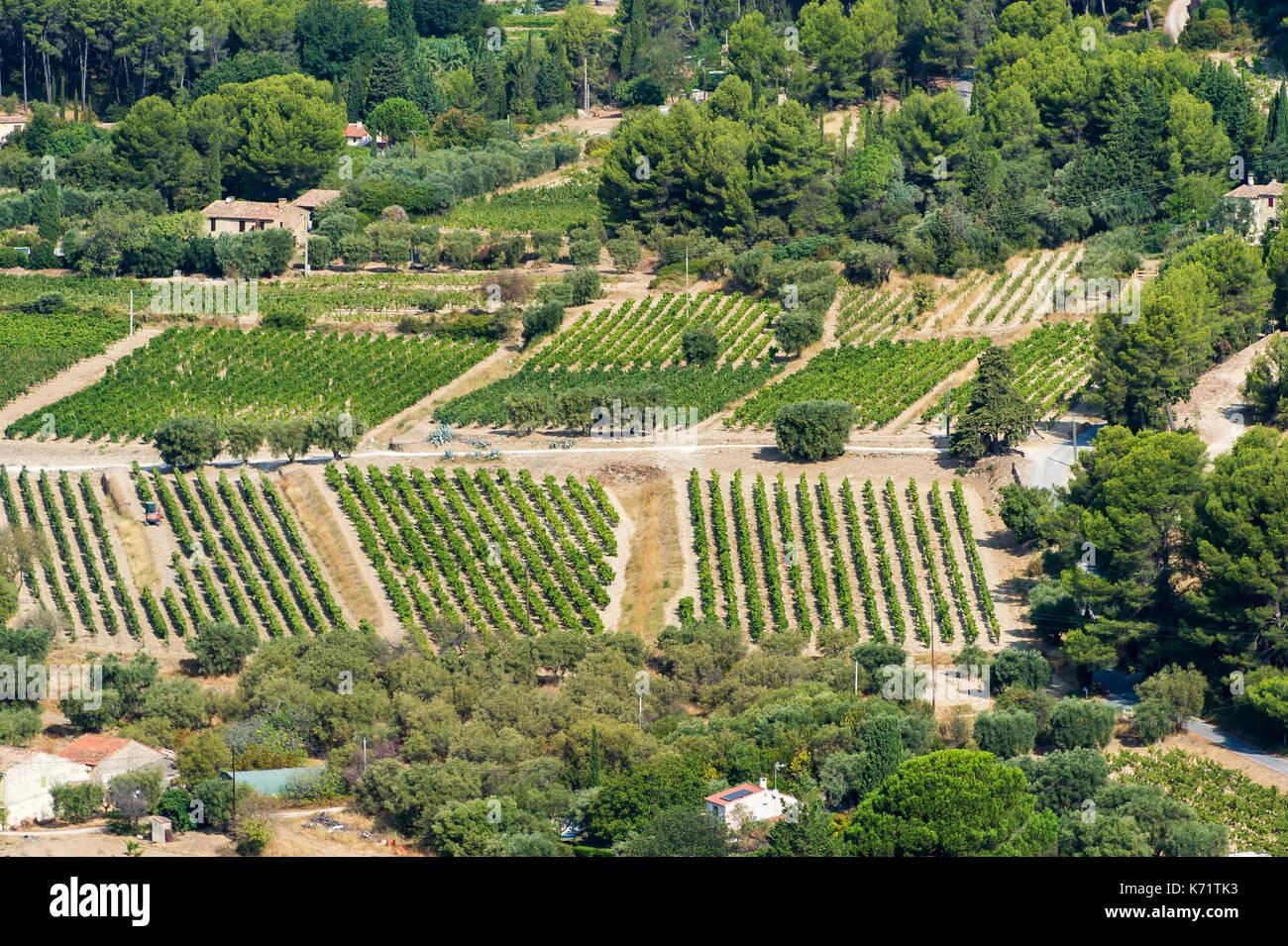Paysage des Vignobles Varois vue du Village Médievale du Castellet - Stock Image