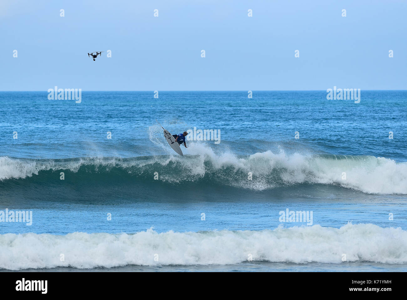 San Clemente, USA. 13 September, 2017.  Surfers compete head to head during the 2017 Hurley Pro surf contest at Lower Trestles, San Onofre State Park, CA. Surfer: Josh Kerr (AUS). Credit: Benjamin Ginsberg/Alamy Live News. - Stock Image