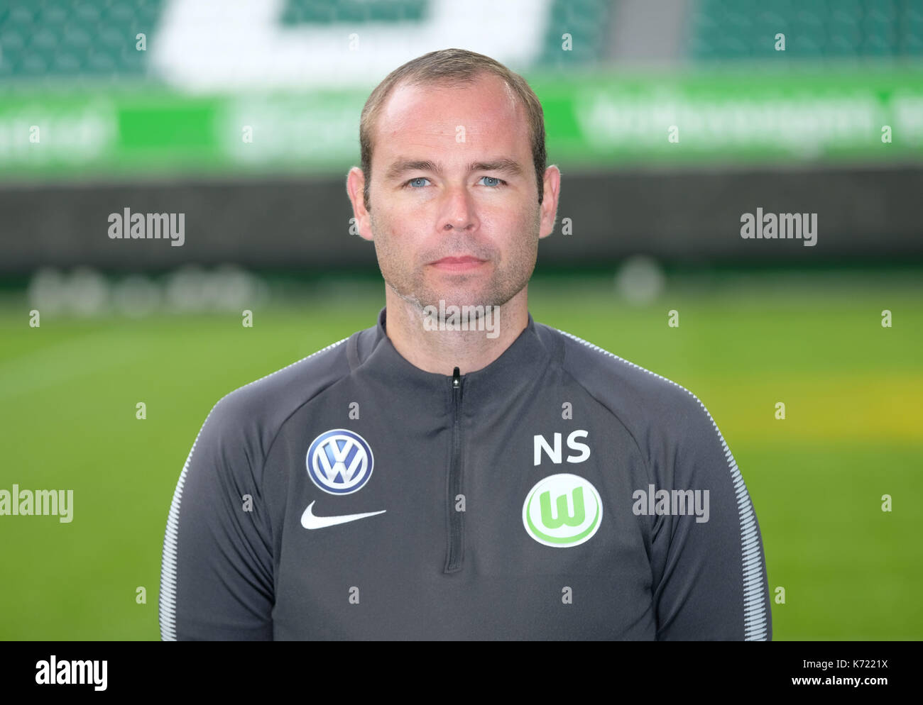 Wolfsburg, Germany. 13th Sep, 2017. German Bundesliga, official photocall VfL Wolfsburg for season 2017/18 in Wolfsburg, Germany: kitman Nils Scholz. | usage worldwide Credit: dpa/Alamy Live News - Stock Image