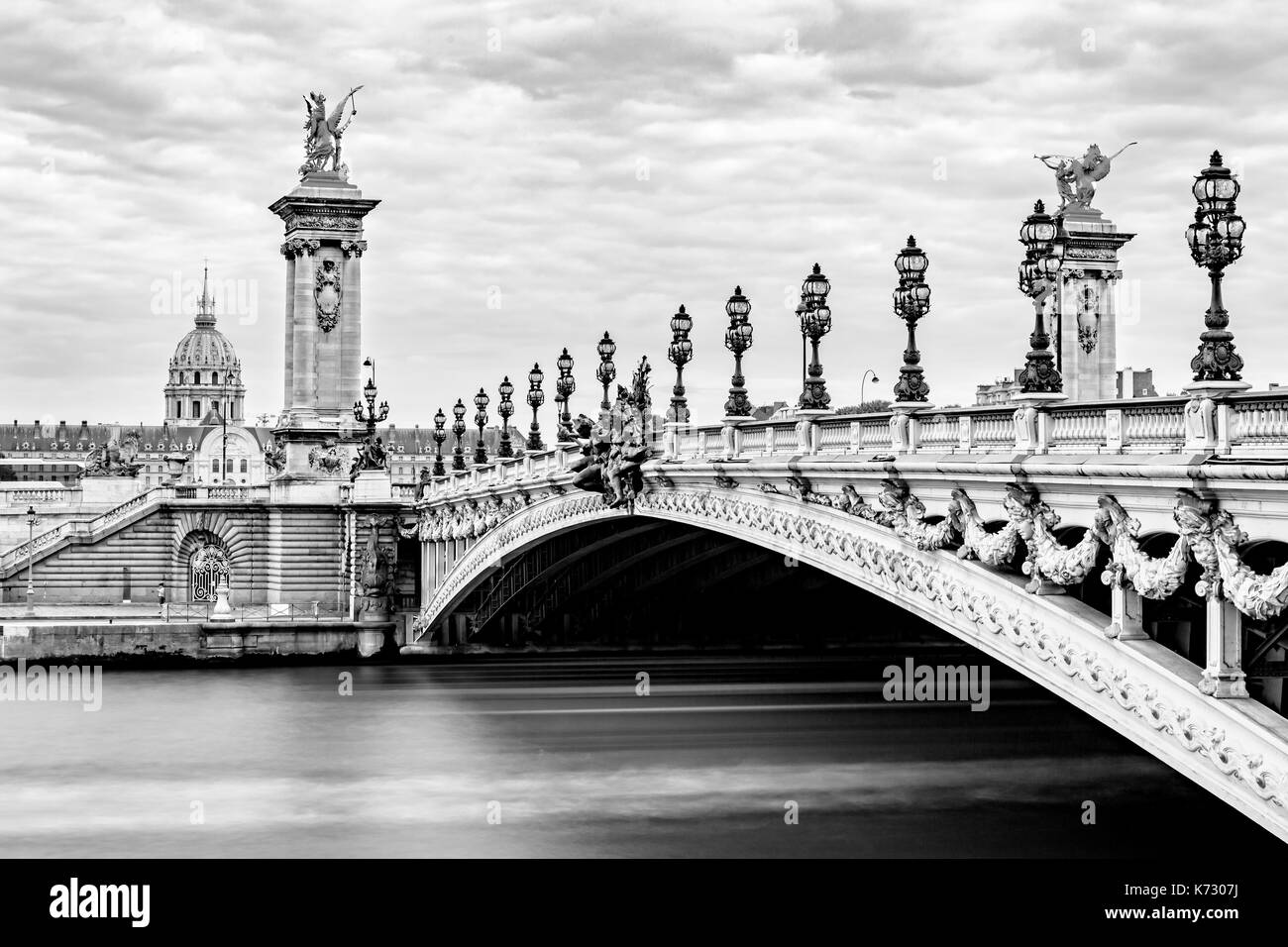 Pont Alexandre Iii And The H U00f4tel Des Invalides Stock Photo