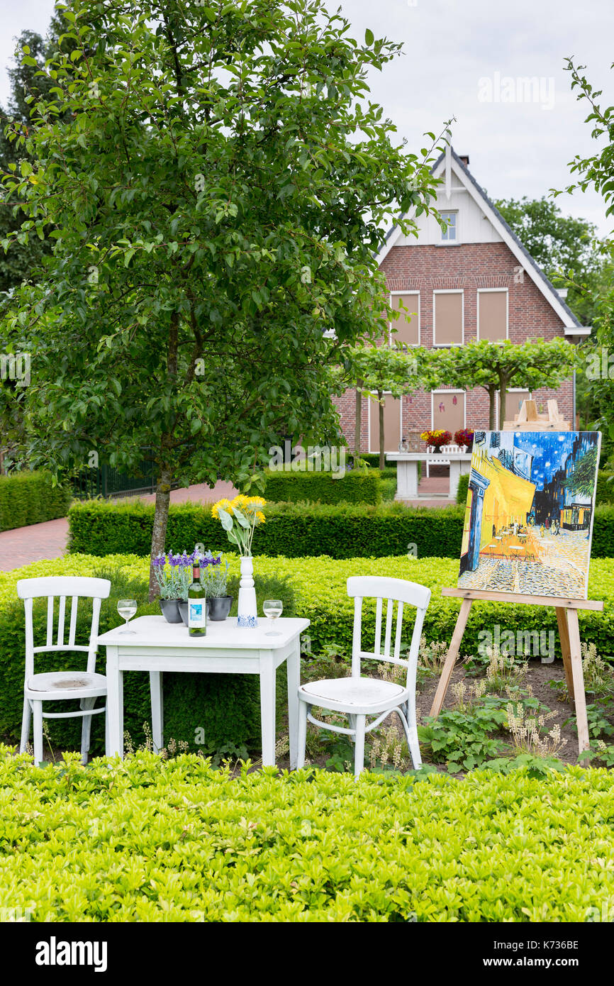 Residents display Vincent Van Gogh posters at home by Kroller Muller museum, during traditional festival, Otterlo, Netherlands - Stock Image