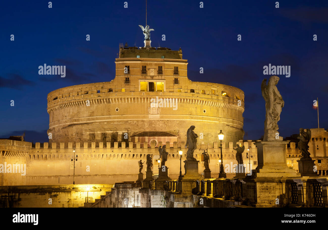 Castel Sant' Angelo at night. Rome, Italy, Capital Cities, Castle - Stock Image