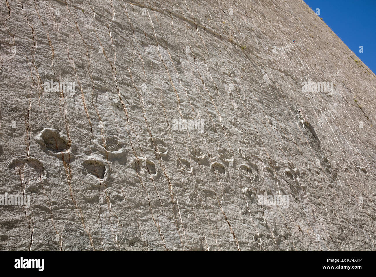 Dinosaur footprints from the Late Cretaceous / Maastrichtian in the Cal Orck'o cliff in the Parque Cretácico / Cretaceous Park, Sucre, Bolivia - Stock Image